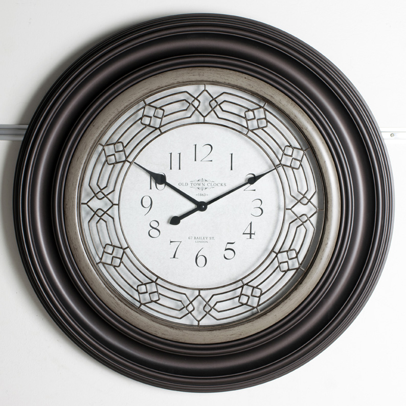 Traditional Design Wall Clocks To Create That Traditional Look